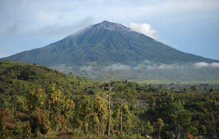 Nama Gunung di Indonesia Beserta Ketinggian dan Lokasinya ...