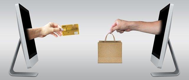 Dengan menggunakan payment gateway, pembayaran lebih variatif