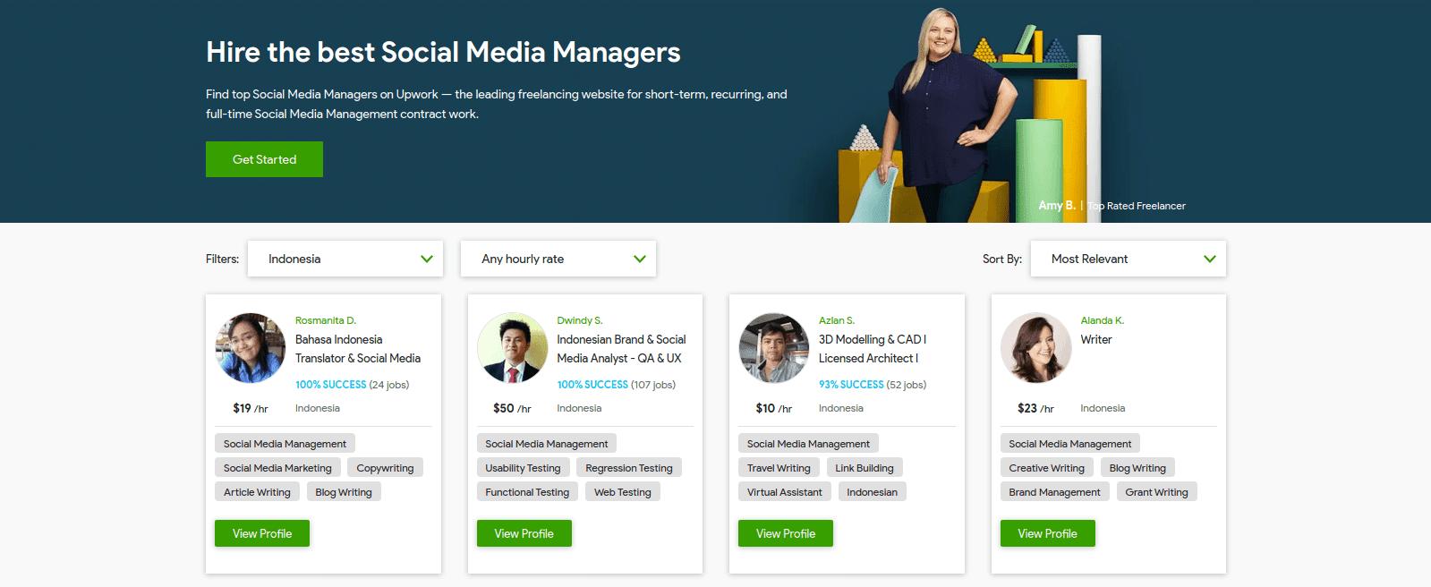 Melakukan pekerjaan sebagai social media manager bisa menjadi cara mendapatkan uang dari internet.